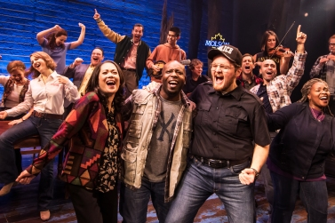9195_The First North American Tour Company of COME FROM AWAY, Photo by Matthew Murphy, 2018